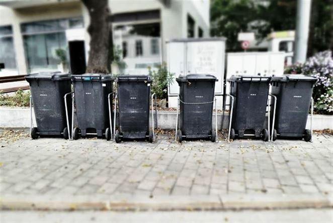 Skládky na západnom Slovensku chýbajú, Senec zostal niekoľko dní bez odvozu odpadu