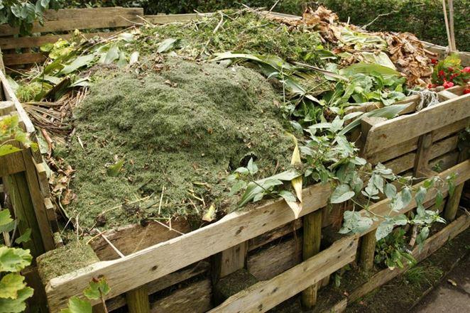 Obce môžu žiadať o dotáciu na kompostéry na bioodpad