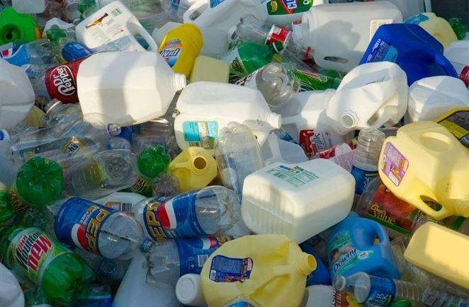 OZV ENVI-PAK prináša aktuálnu informáciu k novej dani z nerecyklovaného odpadu z plastových obalov