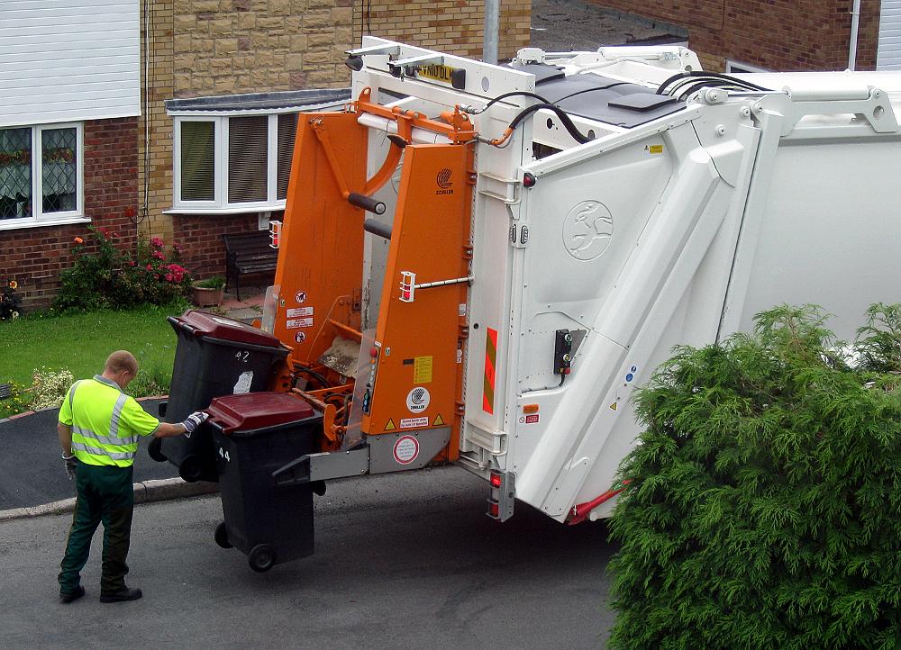 Špeciálne nádoby a minimálnu frekvenciu odvozu kuchynského odpadu britská vláda neurčuje