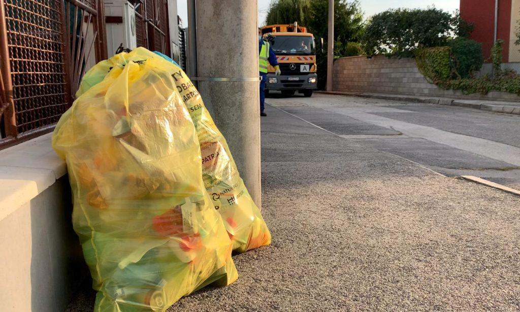 Vrecový zber odpadu v Bratislave sa rozširuje o ďalšie tri mestské časti