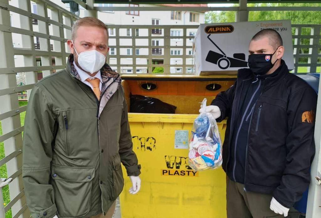 Medvede láka aj plastový odpad, konštatujú SIŽP a ŠOP SR