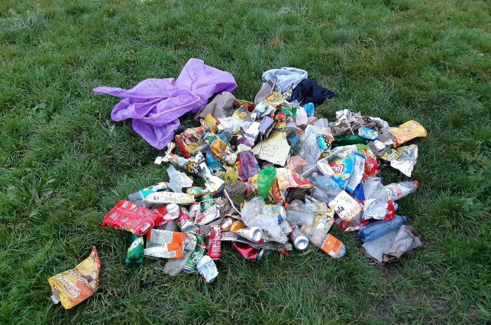 Aj odpadky v prírode majú svojich vládcov. Plastové obaly a plechovky