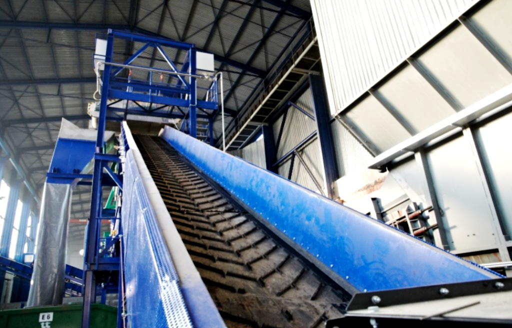 Na Slovensku je prvé centrum s kompletnou MBÚ, zahŕňa kompostáreň aj výrobu TAP