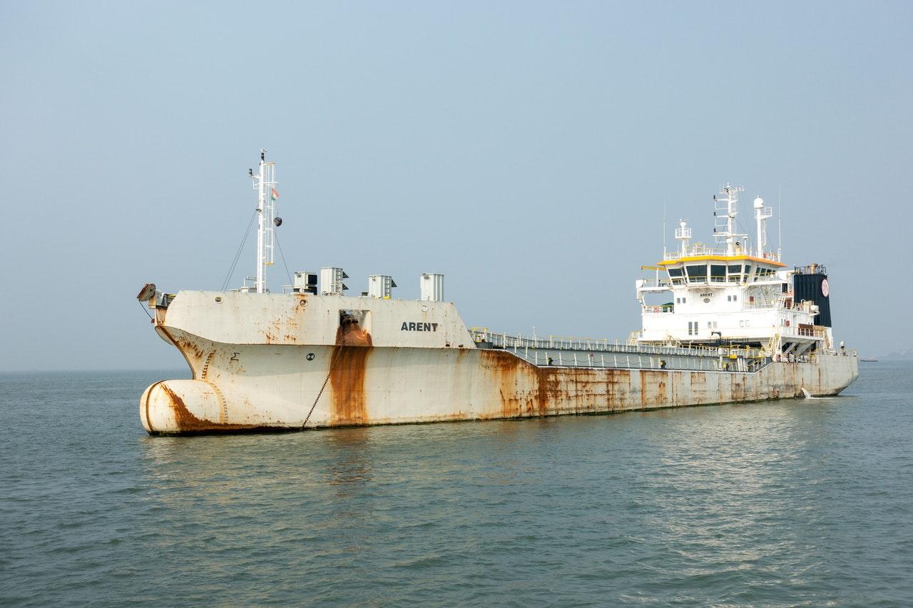 Lodné nátery môžu byť veľkým zdrojom mikroplastov v oceáne, tvrdia vedci