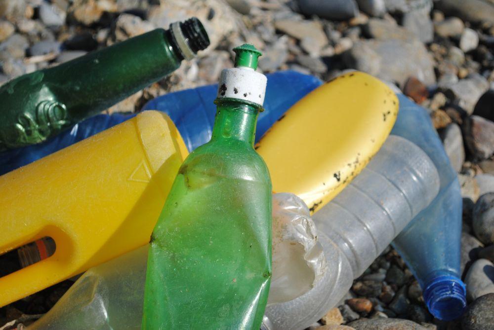 Názor. Chemická recyklácia nevyrieši problém s plastovým odpadom