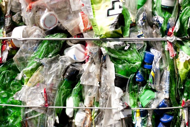 Vypočítali hmotnosť všetkého plastu na svete. Recyklujeme iba zlomok