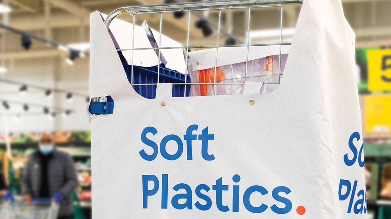 Tesco začína so zberom mäkkých plastov priamo v prevádzkach