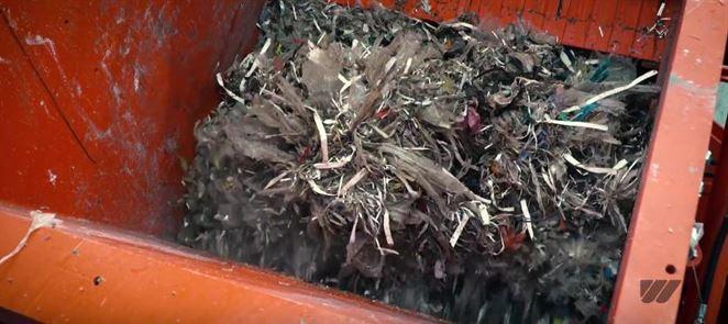Drvič spracuje odpadový papier z výroby