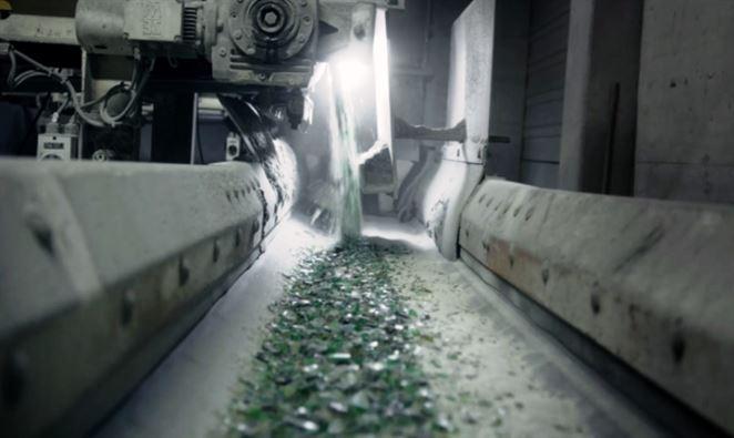 Ako prebieha recyklácia skla? Pozrite si, ako recykluje sklo Vetropack Nemšová