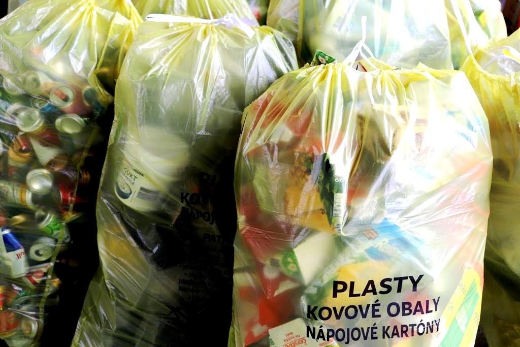 """V Bratislave sa rozbieha najväčší """"door to door"""" systém triedenia odpadov na Slovensku"""