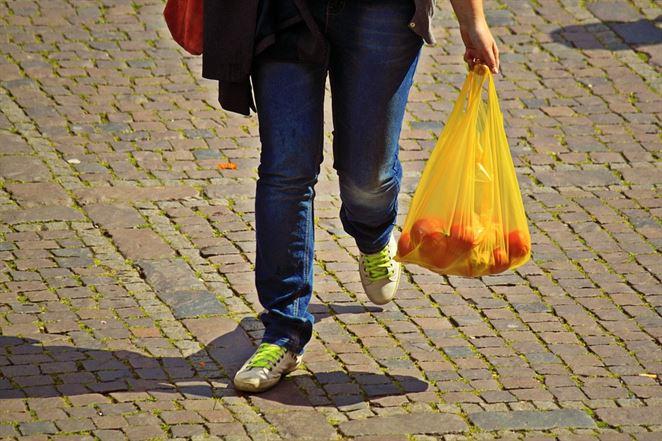 V Austrálii klesla miera používania plastových tašiek v priebehu troch mesiacov o 80%