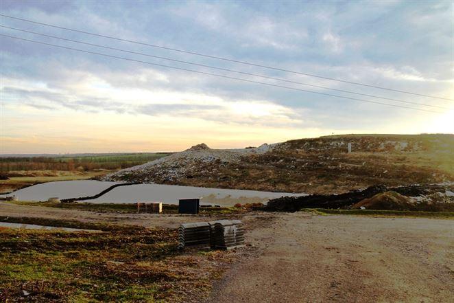 Skládka odpadov pri Leviciach sa má rozšíriť, skládkový plyn budú premieňať na energiu