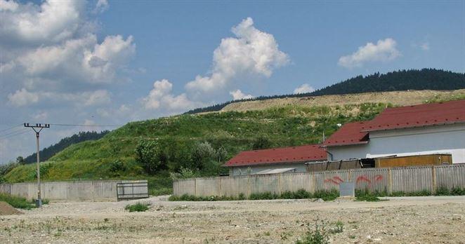 Nedbanlivosť úradov pri skládke odpadov v Považskom Chlmci vyšla na takmer dva milióny eur
