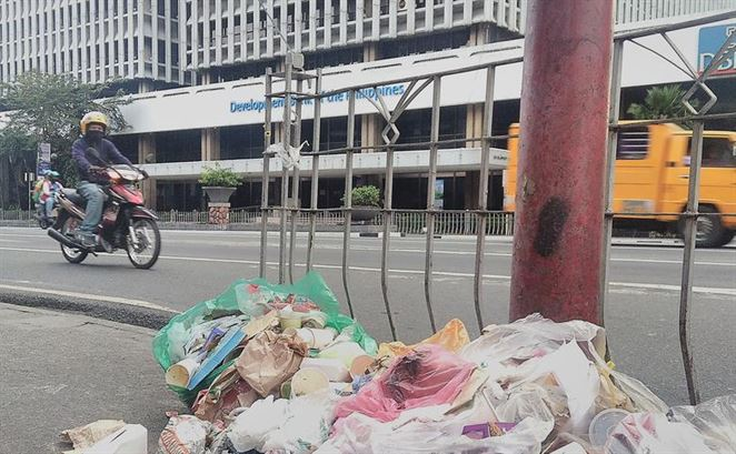 Odpad si hľadá cestu mimo Číny, iné krajiny ho vítajú