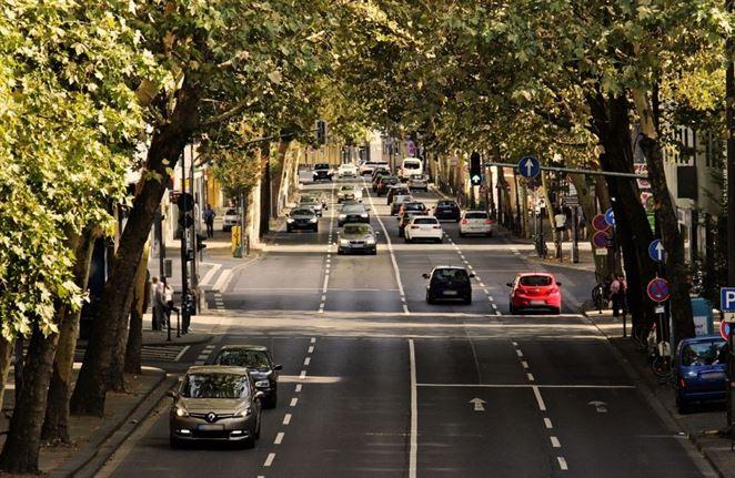 Slováci precestujú v osobných autách takmer tri štvrtiny najazdených kilometrov (Analýza)