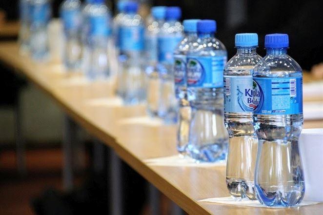 Väčšinu balených nealkoholických nápojov tvoria minerálky a stolové vody