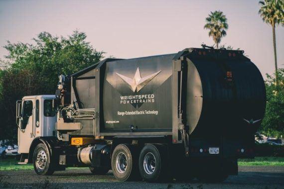 Prvé elektrické vozidlo už zváža odpad v Kalifornii