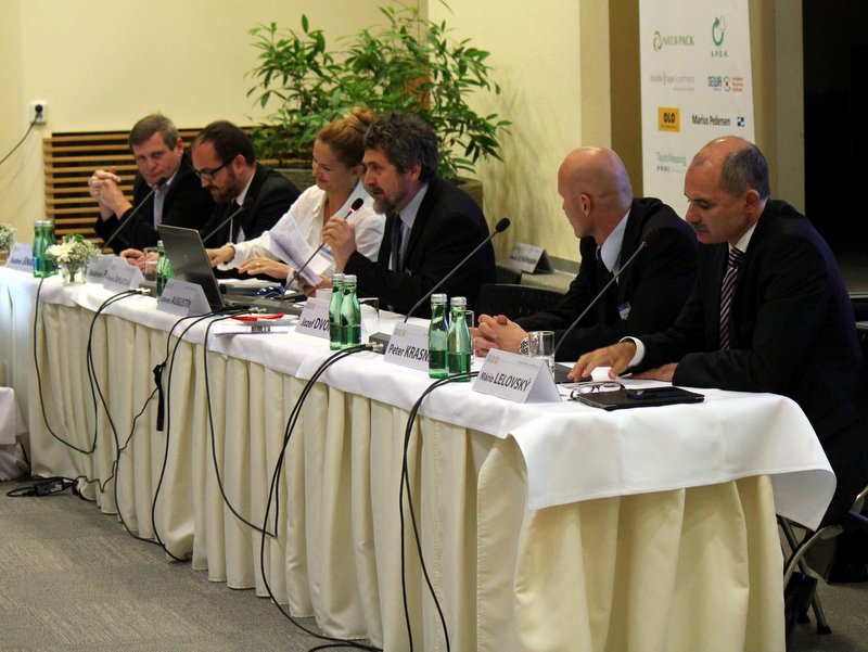 Diskusia: RÚZ prezentovala inú predstavu o kolektívnom nakladaní s obalmi. MŽP ju neakceptovalo