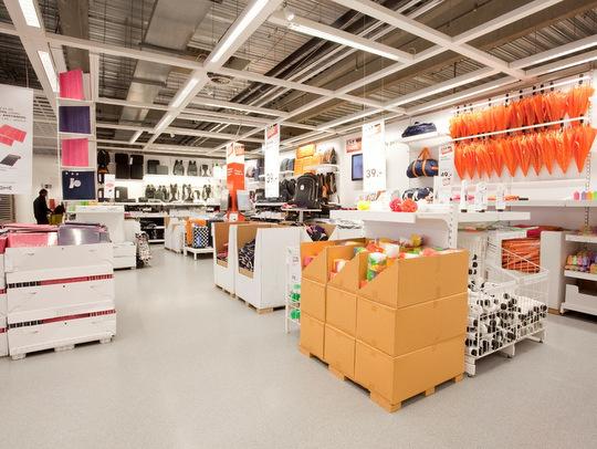 IKEA zaviedla papierové palety a znížila počet kamiónov o pätinu