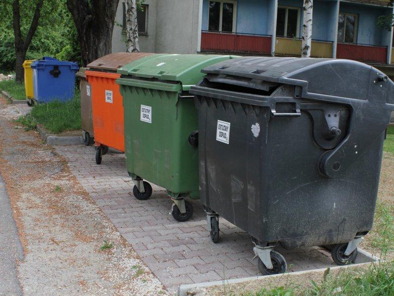 V Starej Turej stavajú na postupných odpadových krokoch