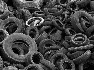 Komoditný program sektora opotrebovaných pneumatík opravuje omyly chybami