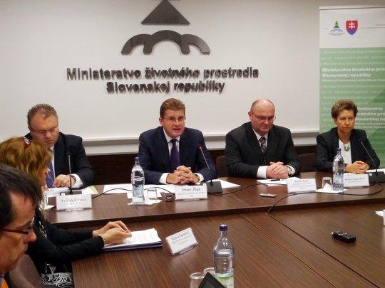 Peter Žiga predstavil nový zákon o odpadoch