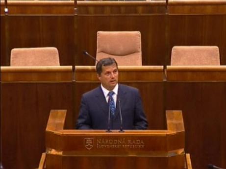József Nagy v parlamente obhajoval regulácie vývozu