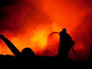 Medzi požiarmi dominujú horiace skládky