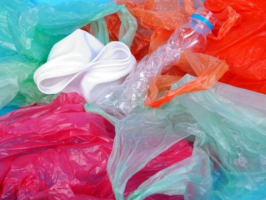 Blíži sa koniec ľahkých plastových tašiek
